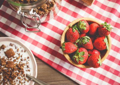 fresh-strawberries-breakfast-picjumbo-com1